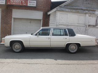 1988 CADILLAC FLEETWOOD preview